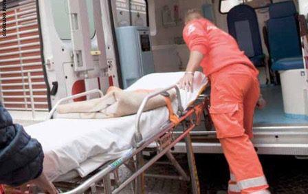 Adrano, soccorso nella notte anziano uomo: intervengono 118 e Vigili del Fuoco