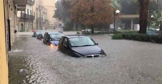 """Maltempo, Licata sommersa dall'acqua sembra Venezia. Il sindaco: """"Chiedo intervento straordinario"""" (VIDEO)"""