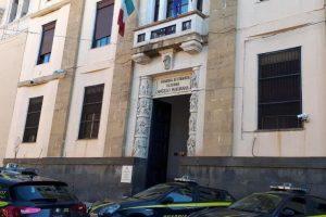 Mafia, Finanzieri sequestrano beni a genero e figlia del boss Mazzei: 3 appartamenti e un bar