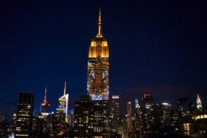Usa, incendio all'Empire State Building di New York: sul posto numerose autopompe dei vigili del fuoco