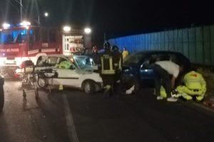 Motta S. Anastasia, scontro tra due auto sulla SP. 13: feriti in maniera non grave i due conducenti