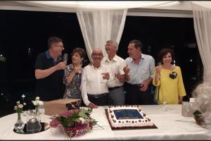 Adrano, in pensione 6 prof del Liceo Verga: targa di ringraziamento e festa d'addio