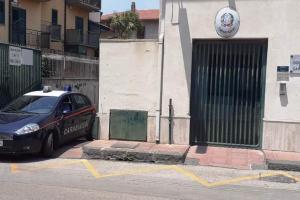 S. Pietro Clarenza, con l'auto investe 55enne in motociclo e poi fugge via: 28enne denunciata per lesioni personali