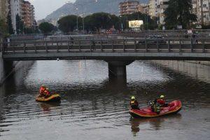 Palermo, nessuna vettura sotto l'acqua in Circonvallazione: Vigili del fuoco al lavoro anche di notte