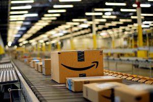 Amazon, 1,8 mld per i centri di distribuzione in Italia: a Catania presto l'apertura di un deposito