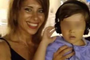 Il marito Daniele Mondello avrebbe riconosciuto la fede della moglie con il nome dell'uomo. https://www.corrieretneo.it/2020/08/08/e-della-43enne-dj-viviana-parisi-il-corpo-senza-vita-trovato-a-caronia-del-figlio-di-4-anni-ancora-nessuna-traccia/