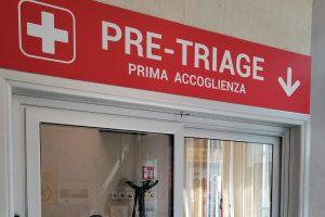 Nella tarda serata di ieri, un clochard che chiedeva di entrare nel Pronto Soccorso dell'ospedale 'Cannizzaro' di Catania è andato in escandescenze e ha danneggiato il vetro della postazione di pre-triage.