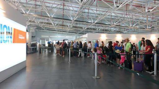 Catania, rubano portafogli alla sala imbarchi dell'aeroporto: due giovani denunciati al loro rientro