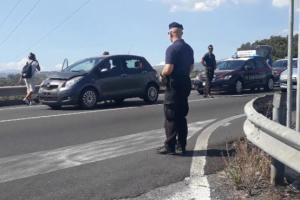 Paternò SS.284, tamponamento di due auto vicino allo svincolo Ragalna-Belpasso: ferita una donna