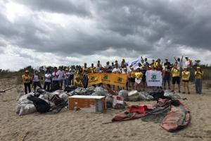 Catania, Legambiente ripulisce l'Oasi del Simeto: raccolti 400 kg di rifiuti dai volontari