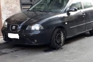Paternò, Seat Ibiza in fiamme in via Marconi: l'incendio è di natura dolosa