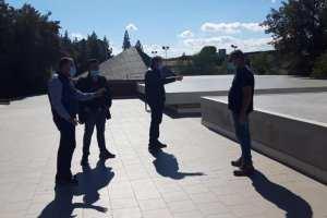 Paternò, si staccano pannelli del controsoffitto del IV Circolo: sopralluogo del sindaco