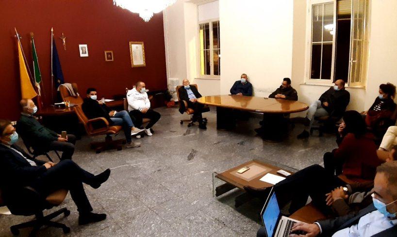 Bronte, Via Umberto diventa isola pedonale nei week-end: moratoria a dicembre