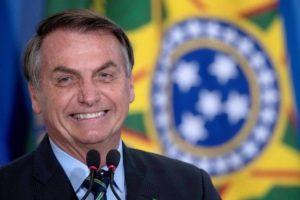 Coronavirus, in Brasile ieri 22 mila contagi e 508 decessi: per Bolsonaro l'epidemia 'sta terminando'