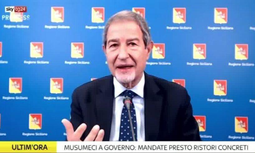 """Covid, Musumeci non fa come De Luca: """"Vaccinazione continuerà con il dato anagrafico. Si può arrivare a 50 mila dosi al giorno"""""""