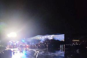 Paternò, incendio in un capannone di un'azienda conserviera: non si esclude matrice dolosa