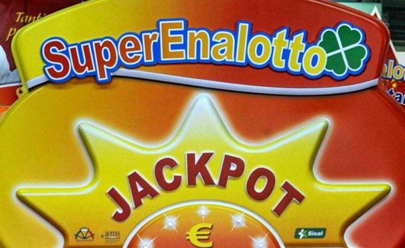 SuperEnalotto, jackpot stellare da 142 mln: nel 2008 a Catania vinti 100 mln