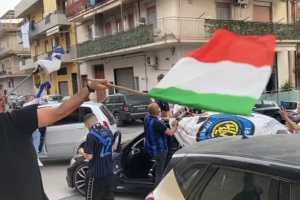 Adrano, festa nerazzurra per la conquista dello scudetto: la gioia dei soci dell'Inter Club 'Peppino Prisco'