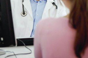 Giarre, violenza sessuale a una paziente: arresti domiciliari per un cardiologo 59enne