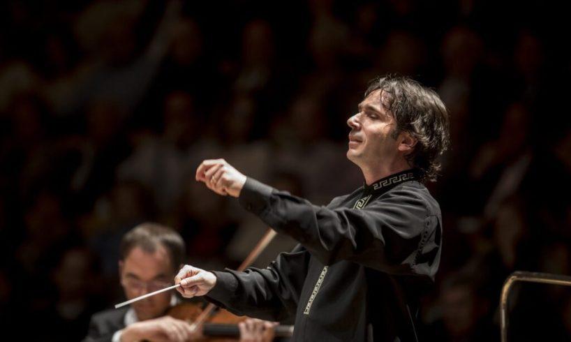 Il maestro ungherese Nànàsi dirige l'Orchestra del Teatro Massimo: domenica alle 19 e poi in streaming
