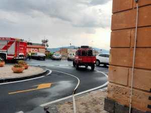 Bronte, la pioggia rischia di allagare il Pronto Soccorso: intervento di operatori e Vigili del Fuoco