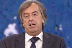 """Covid, Burioni: """"Vicenda 'mix vaccini' gestita in maniera catastrofica"""""""