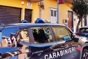 Pedara, cosparge di benzina l'auto dell'ex convivente: 38enne arrestato in flagranza