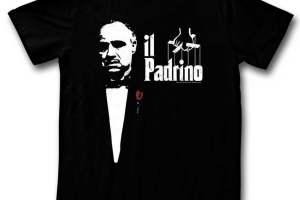 Cinisi, il sindaco vieta la vendita dei souvenir che inneggiano alla mafia: no a magliette con il padrino