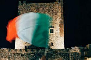 Adrano, festa grande davanti al Castello Normanno per festeggiare l'Italia Campione d'Europa (VIDEO)
