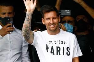 Calcio, Messi è ufficialmente del Psg: la Pulce avrà la maglia n.30