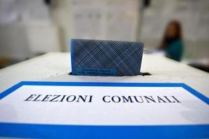 Elezioni, Sicilia al voto il 10 e 11 ottobre per le amministrative: tra i 42 comuni Adrano, Caltagirone, Giarre, Grammichele e Ramacca