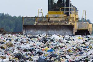Caos rifiuti in 150 Comuni siciliani: la Regione chiede aiuto alle discariche dell'Isola