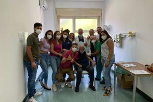Biancavilla, terza dose di vaccino a un 73enne: al punto vaccinale dell'ospedale