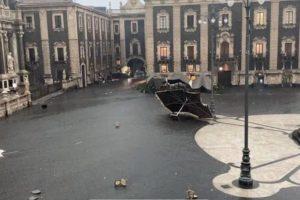Maltempo, a Catania si contano i danni. Alla Protezione Civile di Adrano rubano motosega durante intervento. Mezzo della 'Misericordia' di Nicolosi distrutto da un albero