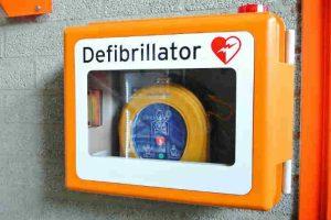 """S. M. di Licodia, Comune stanzia 4 mila euro per i defibrillatori. La Misericordia: """"Centro sarà cardioprotetto"""""""