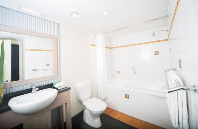 bathroom-one-bedroom-spa