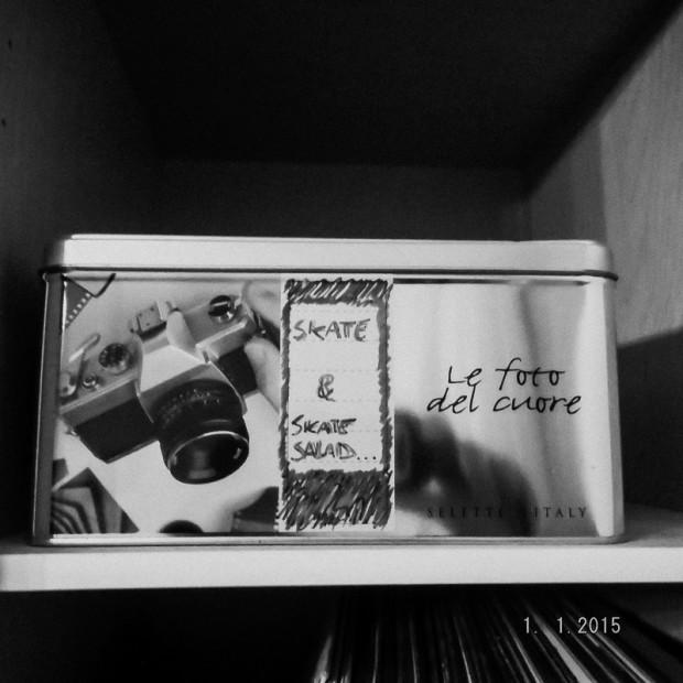 scatola di vecchie fotografie