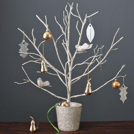 albero di natale con rami secchi