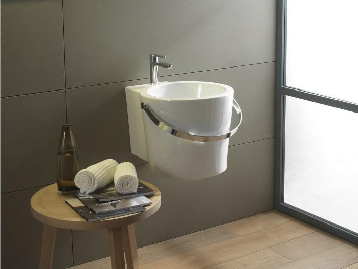 arredare bagno quadrato e piccolo lavandino compatto