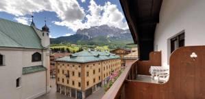 %name albergo montana cortina camere 44