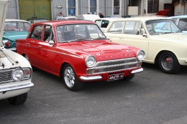 Small Ford Sunday 2017 IMG_1757s