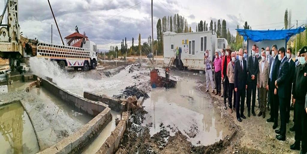 Hamamlıçayköy'de Sıcak Suya Ulaşıldı