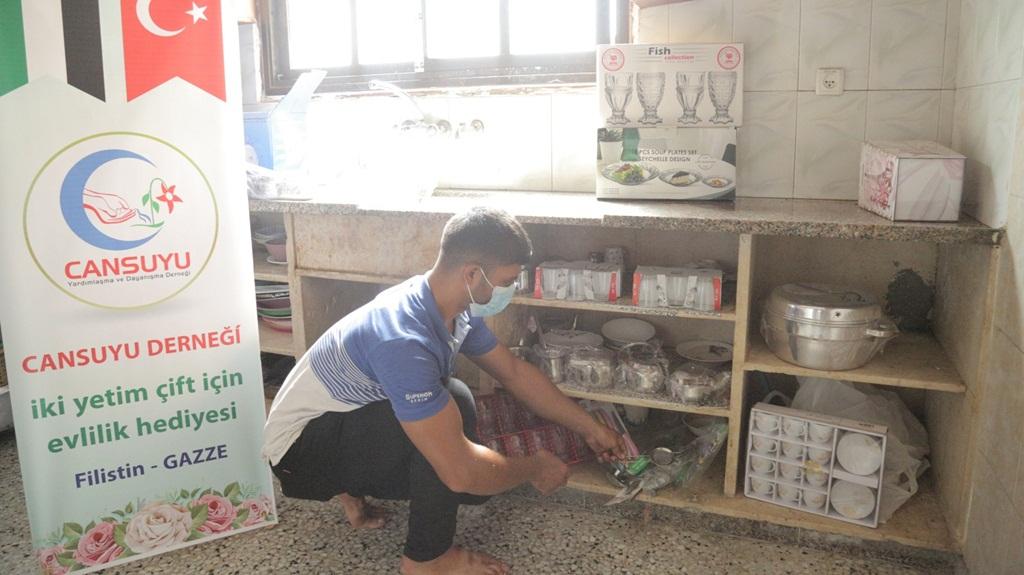Gazze'deki Yetim Gençlerin Yüzleri Gülüyor