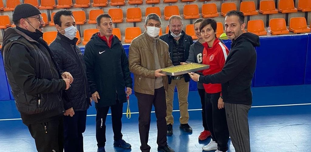Öncü Gençlik ve Spor Kulübü'nden, Milli Takıma Moral Ziyareti