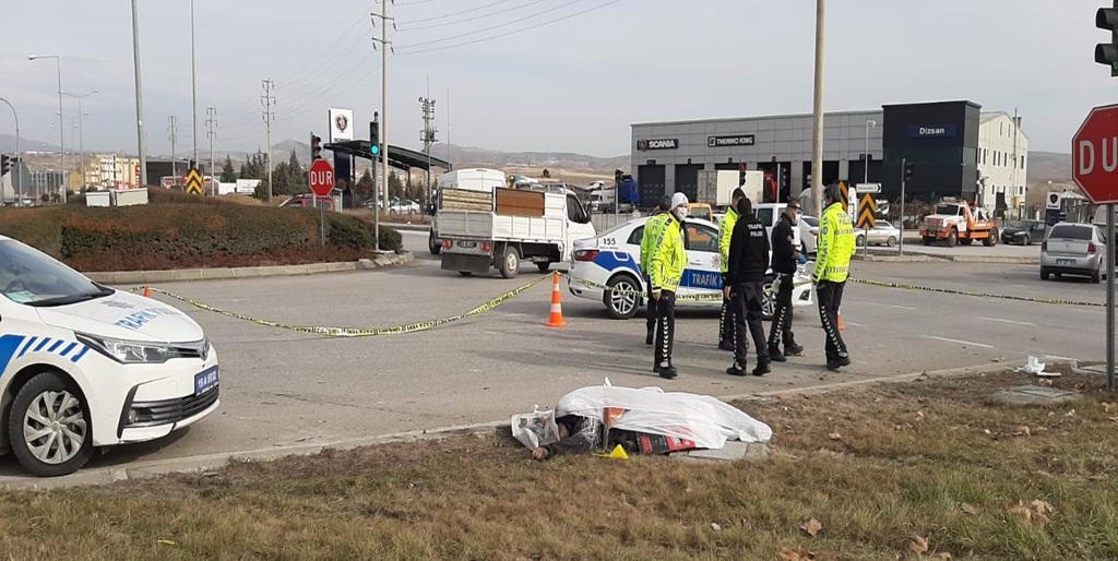 Çorum'da Trafik Kazası: 1 Ölü 2 Yaralı
