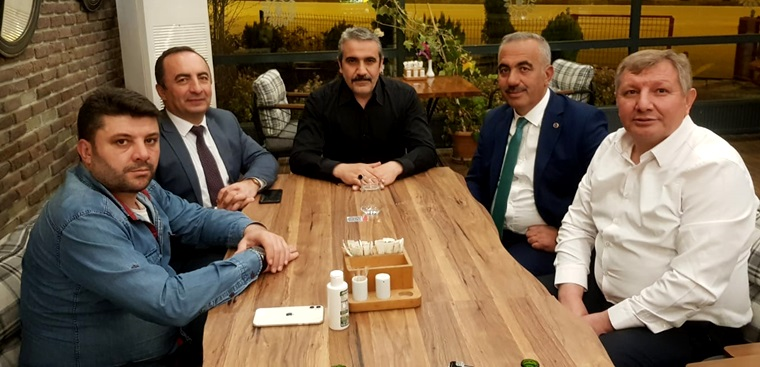 Karapıçak'dan, MHP'li Belediye Başkanlarına Övgü