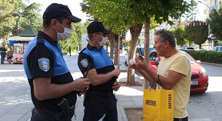 MASKE TAKMADI POLİSLERE İSYAN ETTİ!