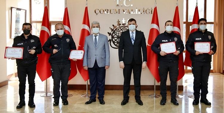 FEDAKAR POLİSLERE BAŞARI BELGESİ