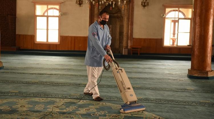 Camilerde detaylı ramazan temizliği