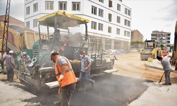 Garip dede sokak asfaltlanıyor